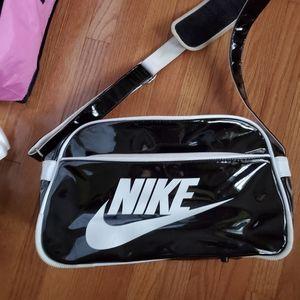 Vintage nike sports gym duffle bag medium